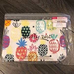 New Thirty-One Zipper Pouch Lott's Colada